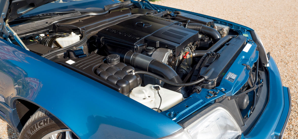 Mercedes Benz SL500 engine bay